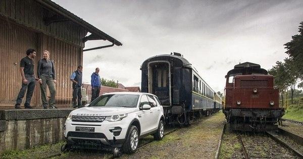 Land Rover Discovery Sport reboca trem de 100 toneladas, 40 ...