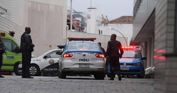 Em noite violenta, bandidos invadem hospital, resgatam traficante e ...