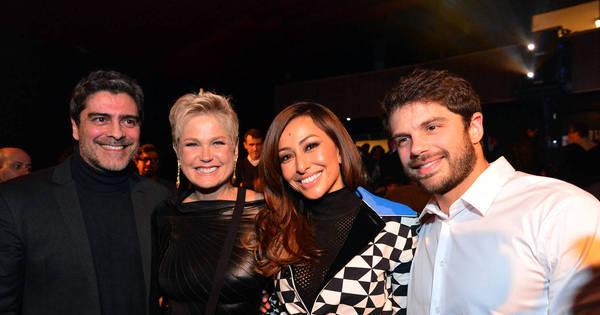 Xuxa, Sabrina Sato e mais famosos prestigiam sessão especial de ...