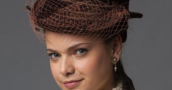 """""""Acho um absurdo uma mulher ser cantada na rua"""", critica Milena ..."""