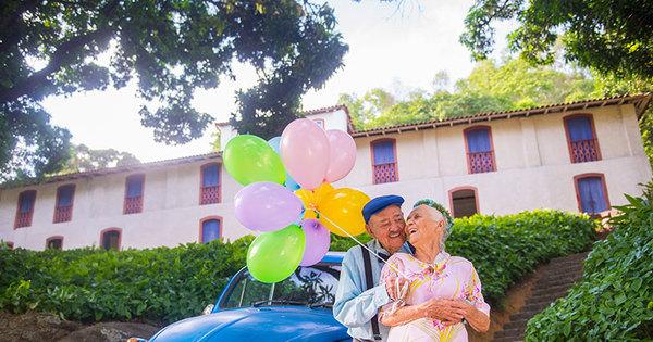 Show de fofura! Casal de idosos faz ensaio fotográfico para celebrar ...