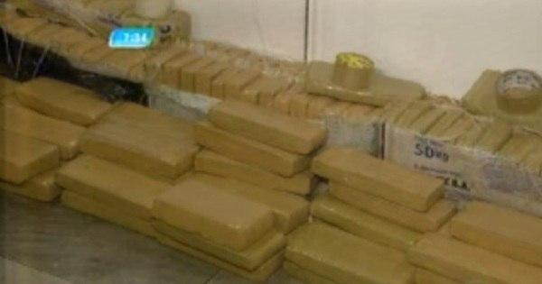 Megaoperação da PM apreende 350 kg de maconha em casa de ...