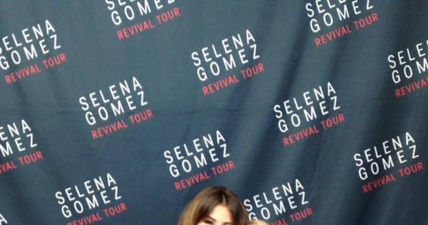 Selena Gomez dança com Audrey Nethern, menininha com doença ...