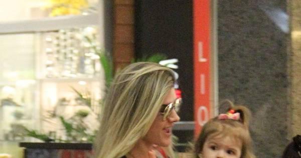 Fofa! Filha de Mirella Santos e Ceará rouba a cena durante passeio ...