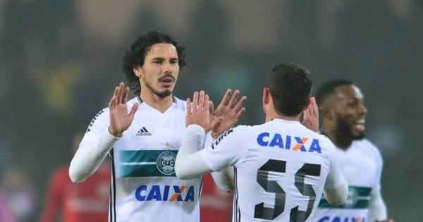 Inter fica no empate e vê Palmeiras disparar na liderança do ...