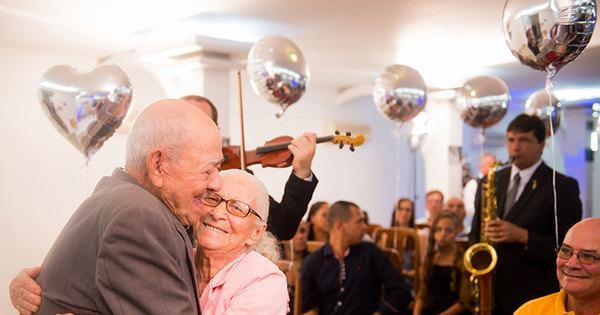65 anos de casados! Veja os bastidores da festa surpresa de Dona ...
