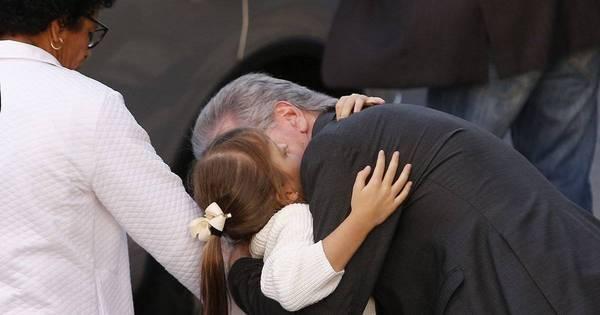 Roberto Justus é flagrado em momento fofo com a filha Rafinha ...
