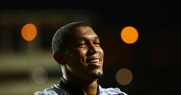 Após boa estreia, Rodrigão evita falar em titularidade no Santos ...
