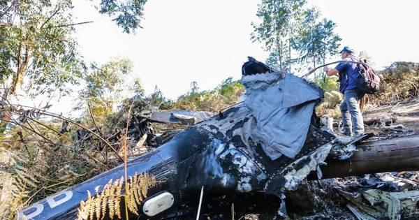 Veja imagens do local do acidente com helicóptero que levava ...