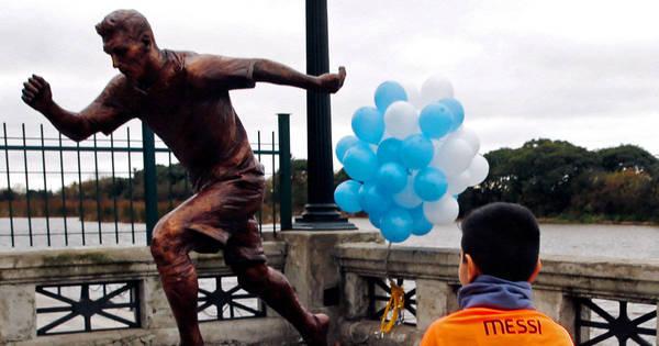 Capital da Argentina homenageia Messi e faz estátua do jogador ...