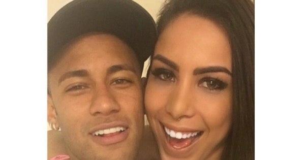 """""""Amiga"""" de Neymar é ameaçada por fãs do craque nas redes sociais"""