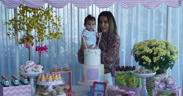 Deborah Secco comemora sete meses de Maria Flor com festinha ...