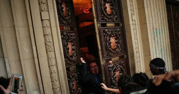 Grupo tenta invadir Assembleia Legislativa do Rio nesta segunda ...