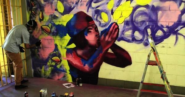 Artistas fazem grafite em paredes da Fundação Casa - Fotos - R7 ...