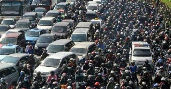 Mega congestionamento de 20 horas mata 18 pessoas na Indonésia