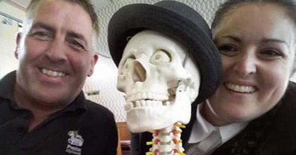 Ossos do ofício! Funcionários de crematório se dão mal ao zoar ...