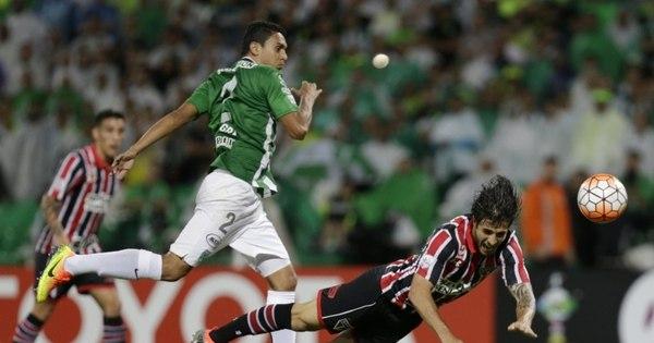 São Paulo é eliminado por carrasco Borja e arbitragem confusa na ...