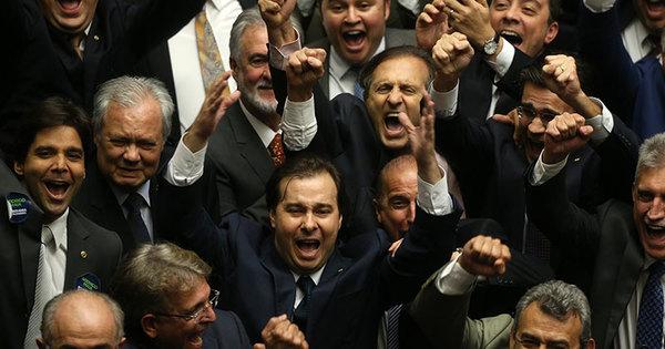 Rodrigo Maia (DEM-RJ) é eleito novo presidente da Câmara dos ...