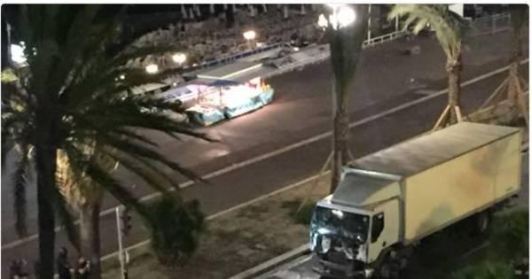 Dia da Bastilha: ataque com caminhão deixa pelo menos 84 mortos ...