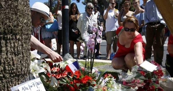 França decreta 3 dias de luto após ataque em Nice - Fotos - R7 ...