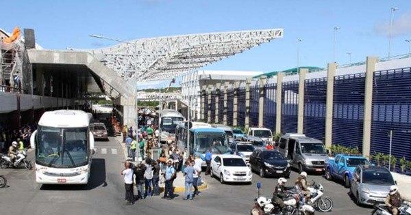 Policiais realizam simulação de ataque terrorista em aeroporto de ...