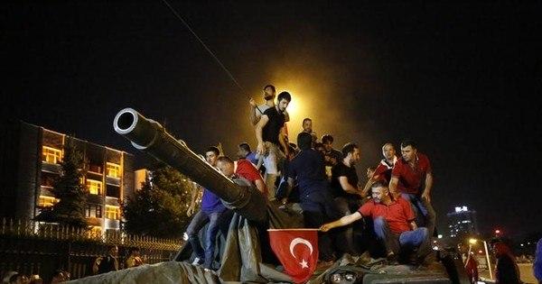 Presidente da Turquia pode ter forjado golpe militar, afirmam ...