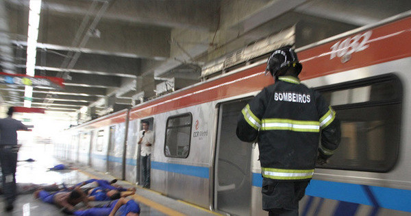 Policia simula explosão de bomba no metrô de Salvador em ...