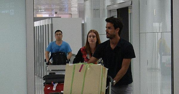 Noivos! Marina Ruy Barbosa e Xandinho Negrão desembarcam no ...
