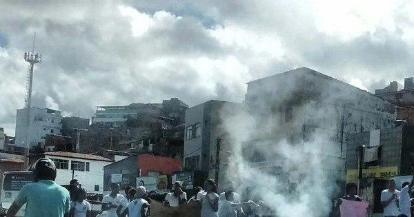 Manifestação causa lentidão na avenida Bonocô, em Salvador ...