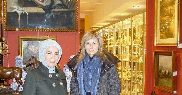 """Mulher de presidente turco é """"viciada em compras"""" e mora em ..."""