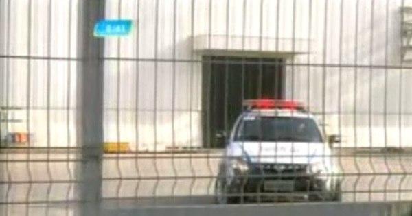 Bandidos explodem caixas eletrônicos dentro de empresa em Betim ...