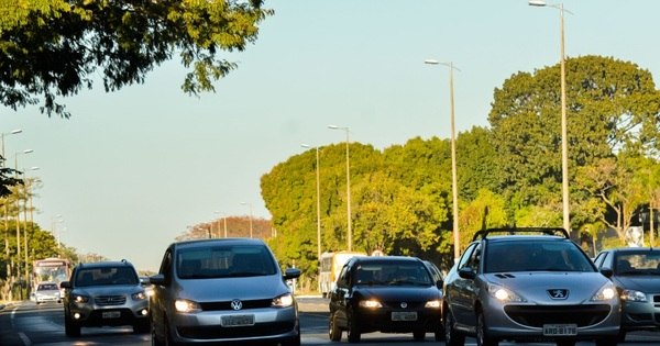 Rodovias estaduais e federais não têm sinalização sobre lei do farol ...
