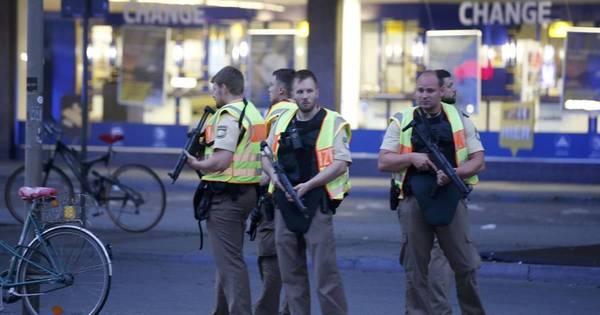 Polícia confirma que pelo menos nove pessoas morreram em ...