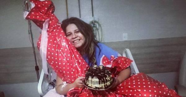 Marília Mendonça completa 21 anos e tem alta do hospital ...