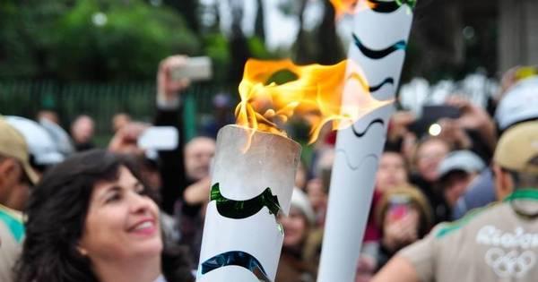 Metalúrgicos organizam ato durante passagem da tocha olímpica ...