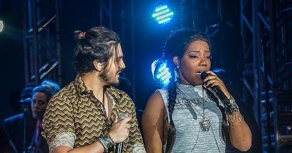 De mãos dadas, Luan Santana e Ludmilla cantam juntos em São ...