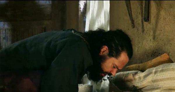 Melquias age com violência e leva Raabe para a cama à força ...