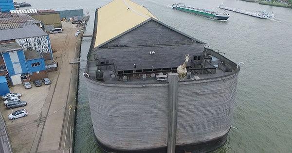Gugu explora Arca de Noé construída de acordo com a descrição ...