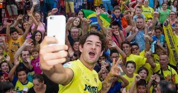Recebido por mil torcedores no Villarreal, Pato diz: 'Quero jogar em ...
