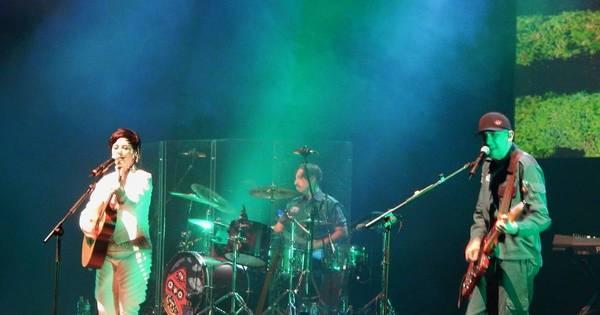 Com peso e delicadeza, Pato Fu encanta plateia com show de nova ...