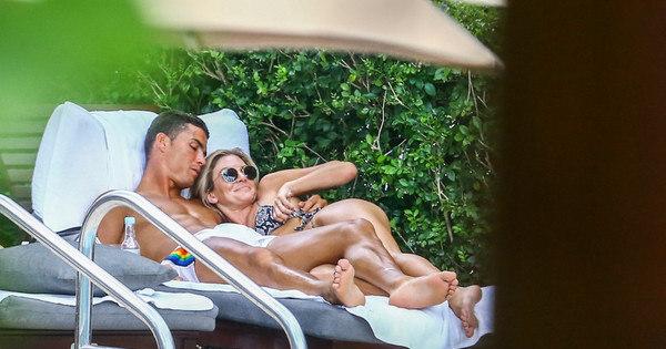 Novo amor? Em clima de romance, Cristiano Ronaldo é flagrado ...