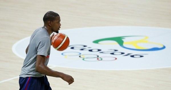 Apesar de hospedagem em navio de luxo, basquete americano ...