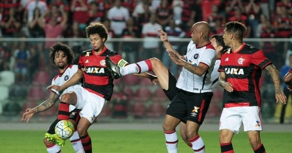 Golaço de Mancuello faz Flamengo dormir na liderança do Brasileirão