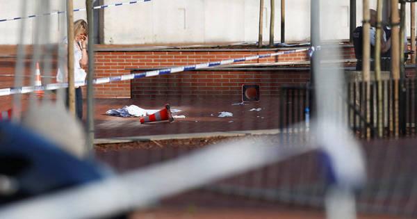 Homem gritando em árabe fere duas policiais na Bélgica com facão ...