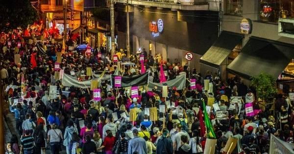 Manifestação em SP defende que não há crime de ...