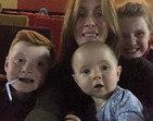 Família fica aterrorizada depois de ver fantasma em selfie