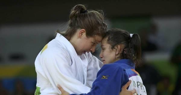 Judoca brasileira perde por punição e sai chorando do tatame ...