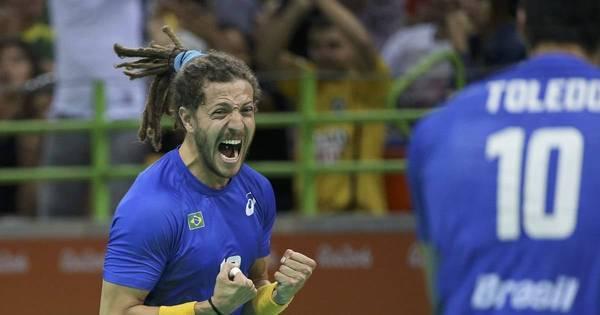Brasil vence primeiro do mundo e fica próximo das quartas de final ...