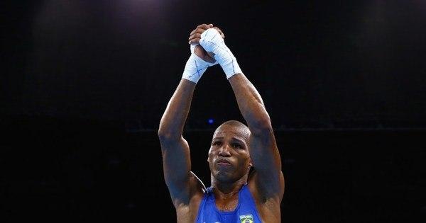 """""""Não me sinto bem vendo minhas lutas"""", diz boxeador brasileiro ..."""