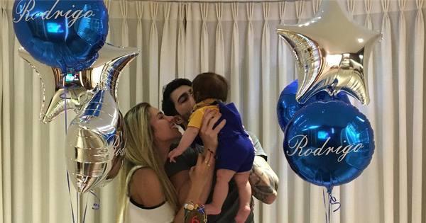 Adriana Sant'Anna e Rodrigão comemoram mesversário do filho ...